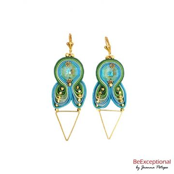 Hand embroidered earrings Tri